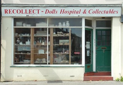 A warm welcome awaits you at the dolls hospital!